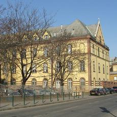 Budai Irgalmasrendi Kórház - az Árpád fejedelem útja felől
